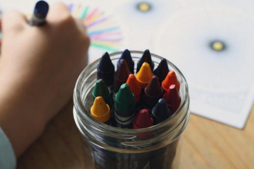 crayons-1445054 1920